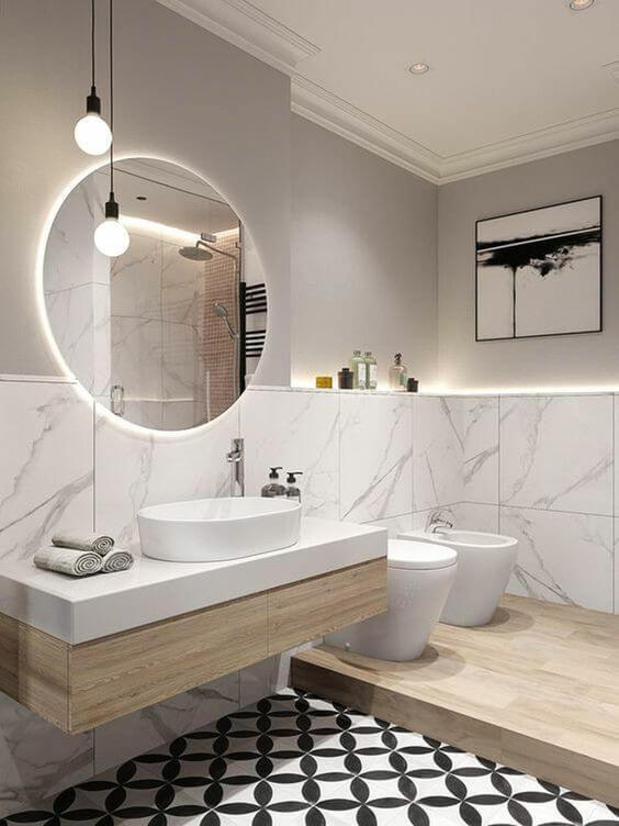 Phóng đại không gian trong phòng tắm nhỏ với gương lớn